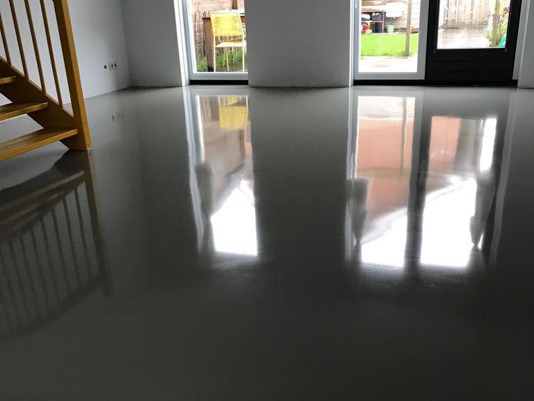 Gietvloer rotterdam creafloors levert betonlook pu epoxy